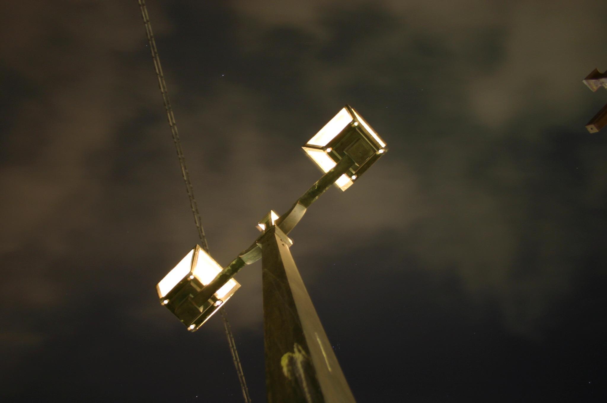 中央橋よりガス灯を