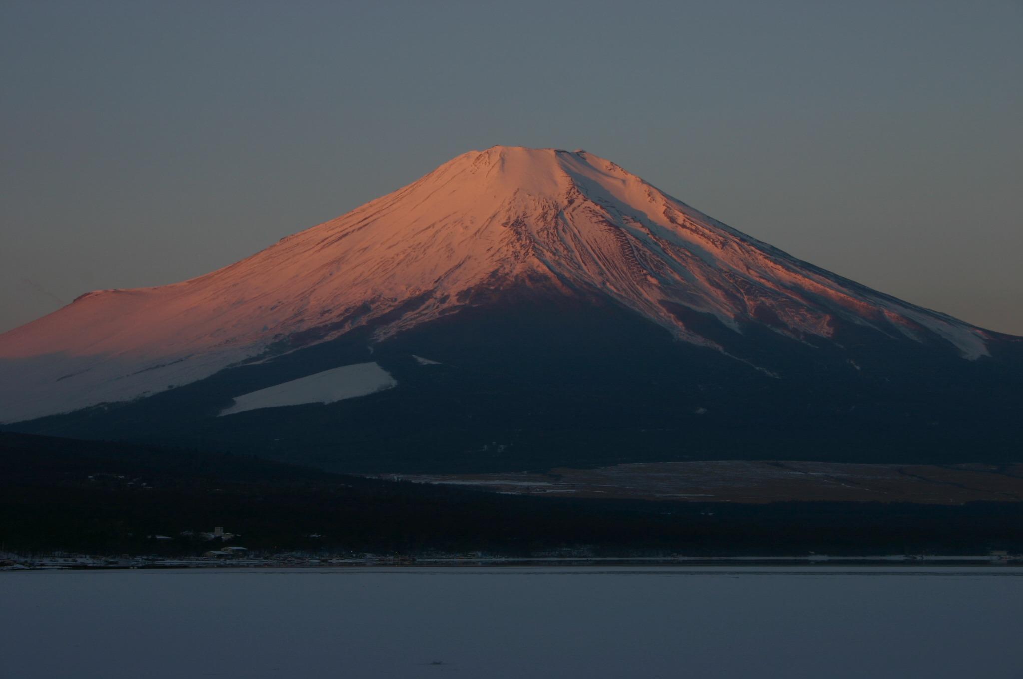 山中湖より紅富士を