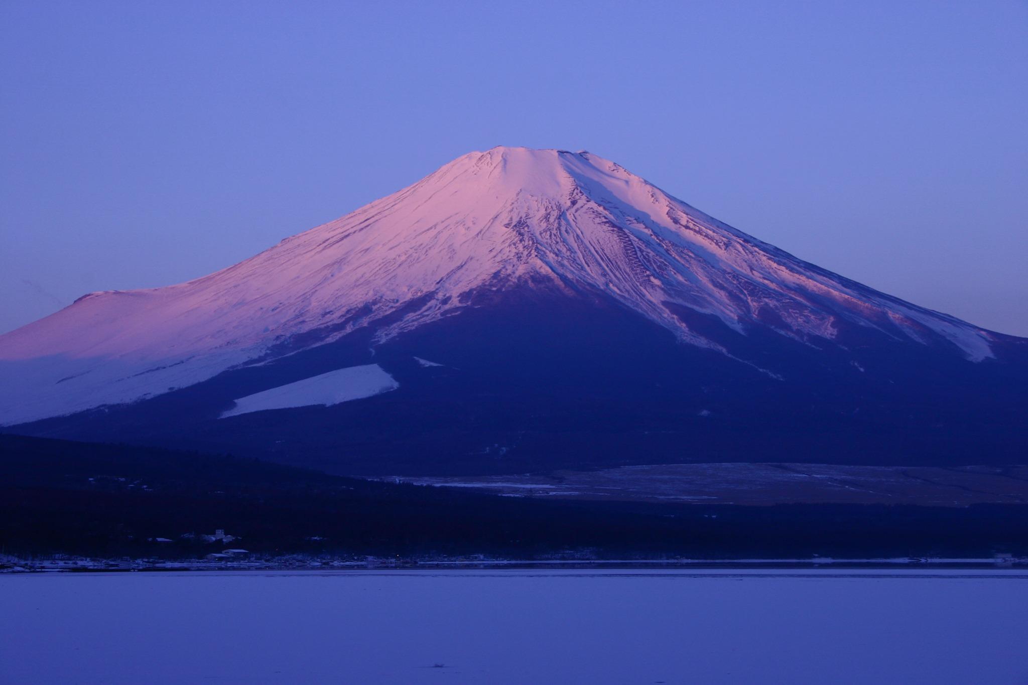 山中湖より紅富士を(ホワイトバランスの変更)