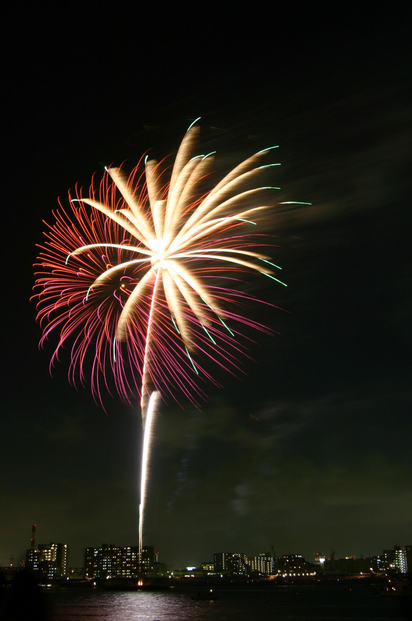 きれいに重なる花火