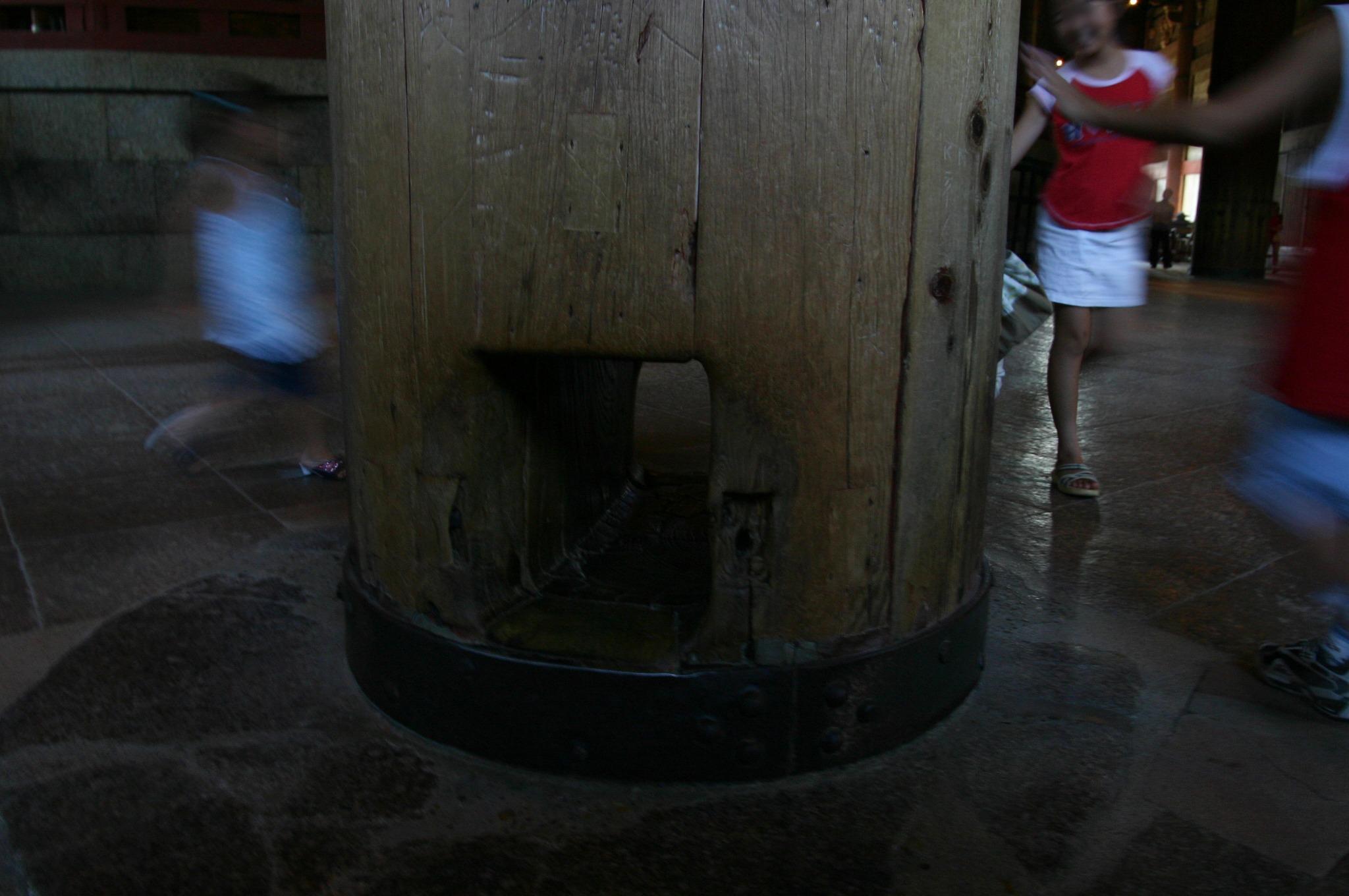 奈良の大仏殿の柱