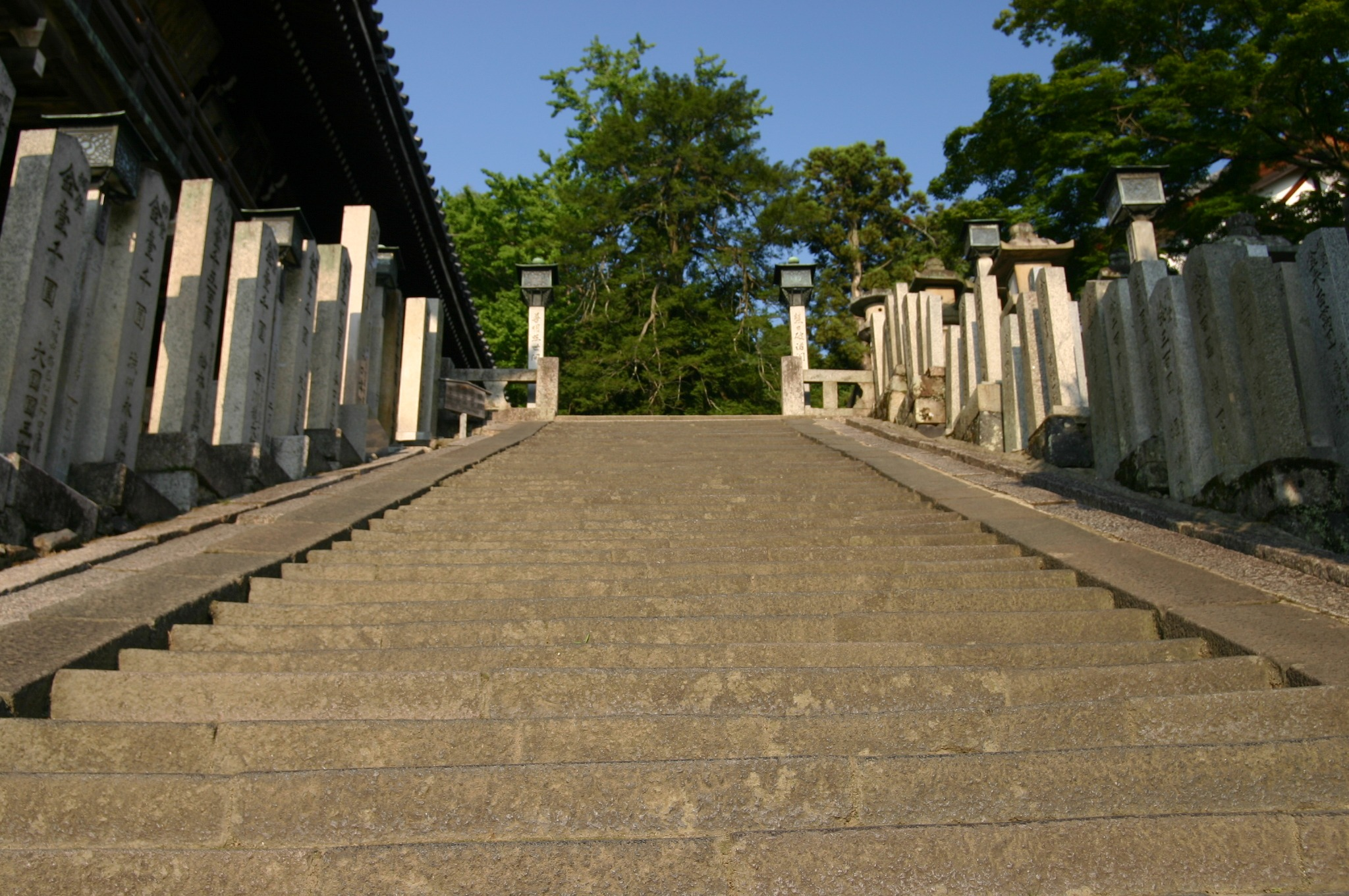 東大寺 二月堂にへ行く途中の階段