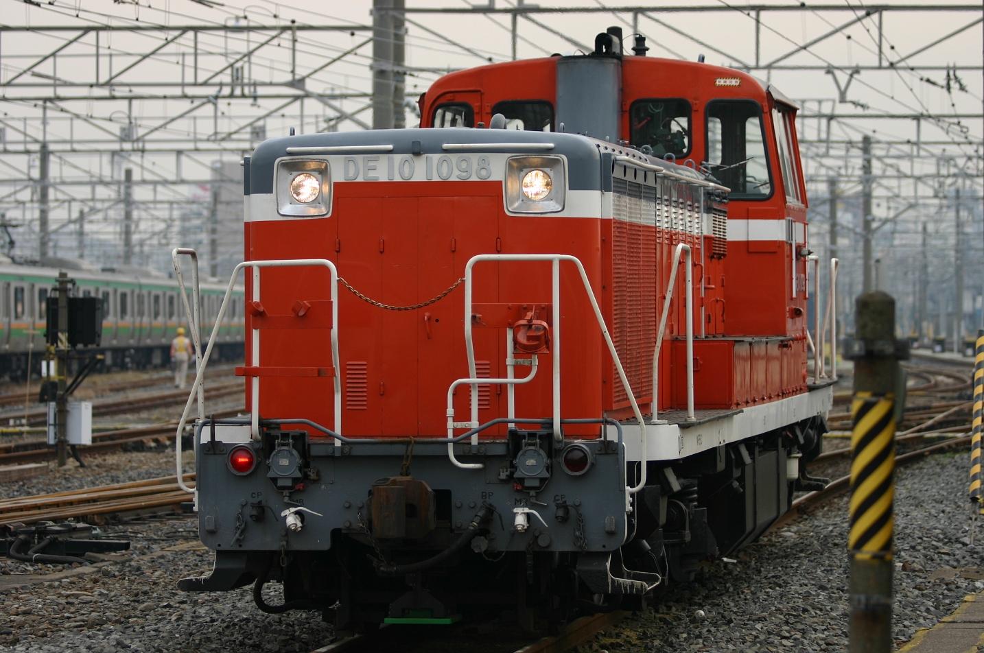 ディーゼル機関車 DE10 1098