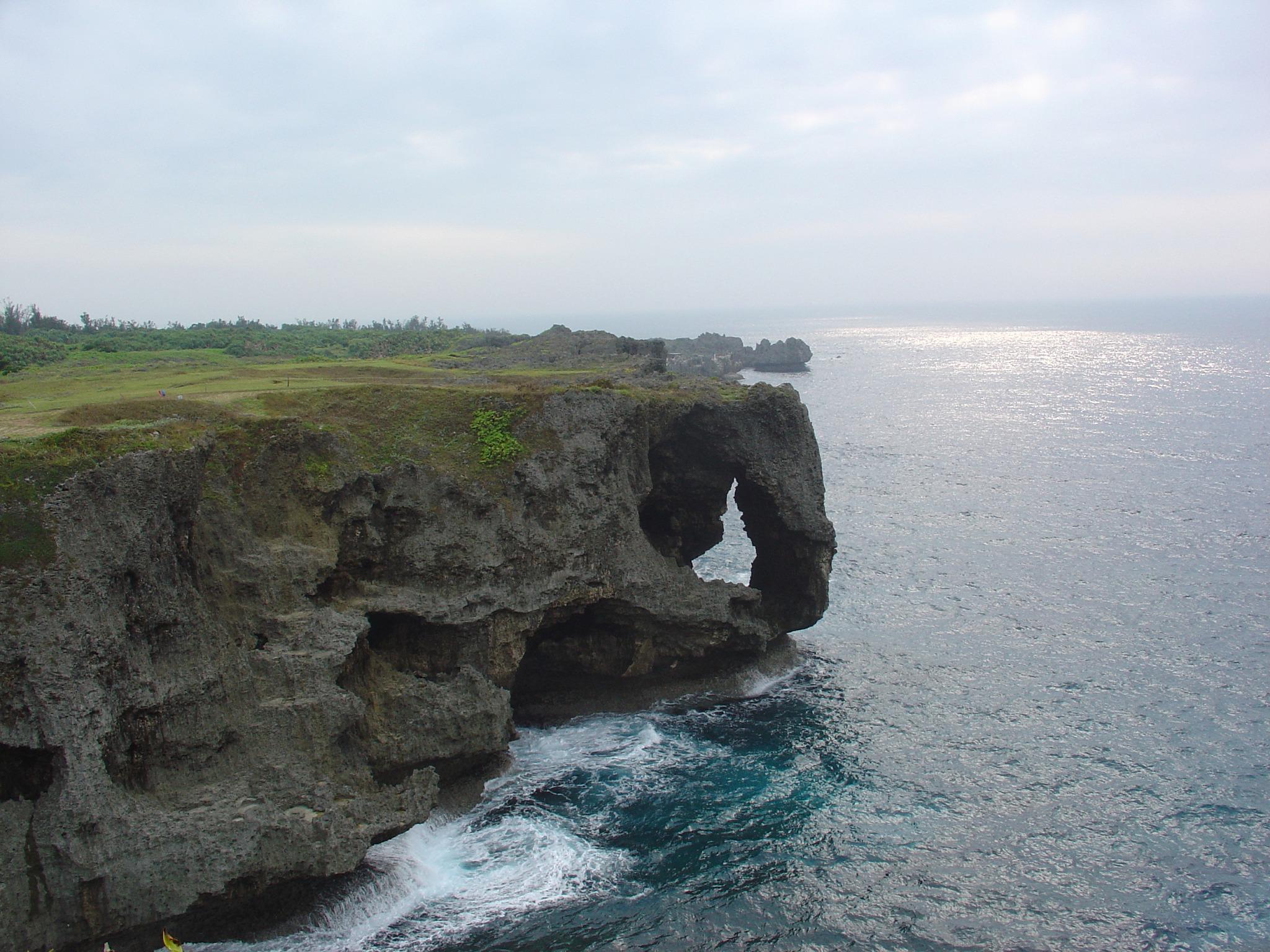 沖縄の万座毛を眺める 1