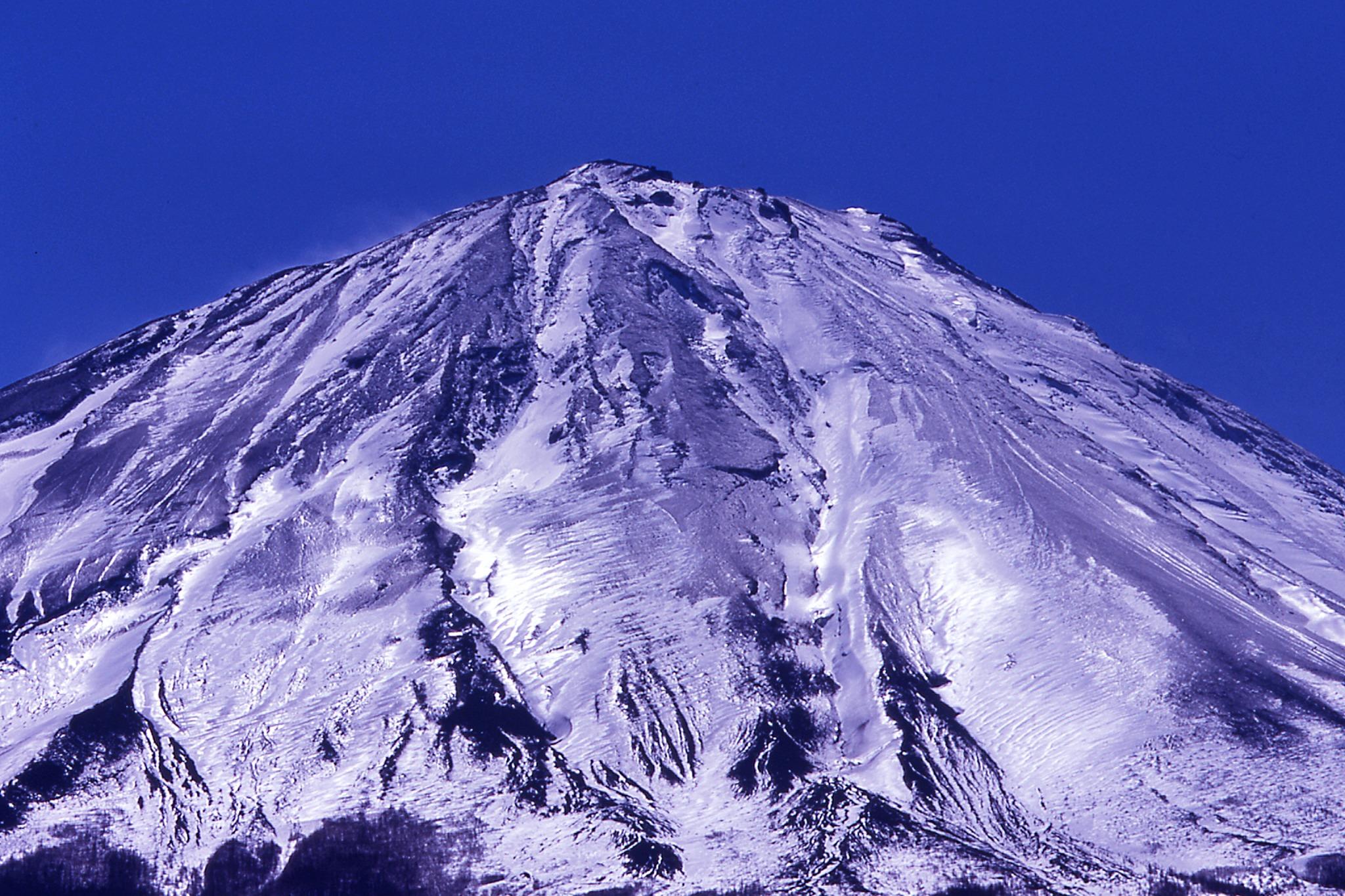 ふじてんスノーリゾート駐車場から富士山を